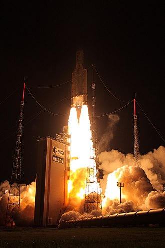 Heavy-lift launch vehicle - Image: Ariane 5ES liftoff with ATV 4