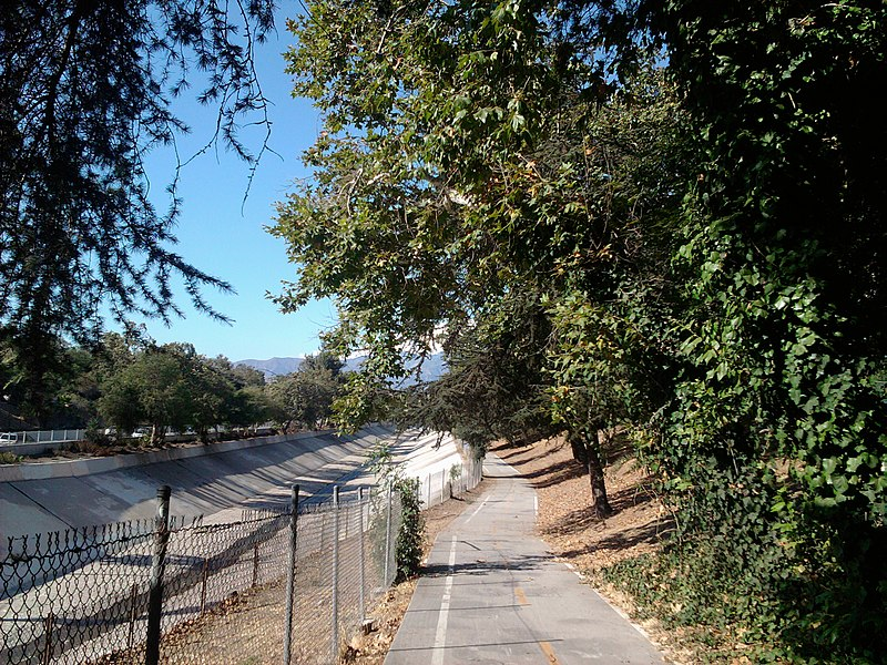 File:Arroyo Seco Bike Path Entrance.jpg