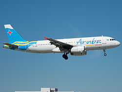 Aruba Airlines Airbus A320-232 (P4-AAA) at Miami International Airport.jpg