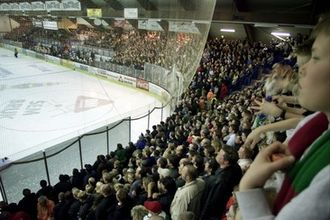 Askerhallen - From the 2002 play-offs final
