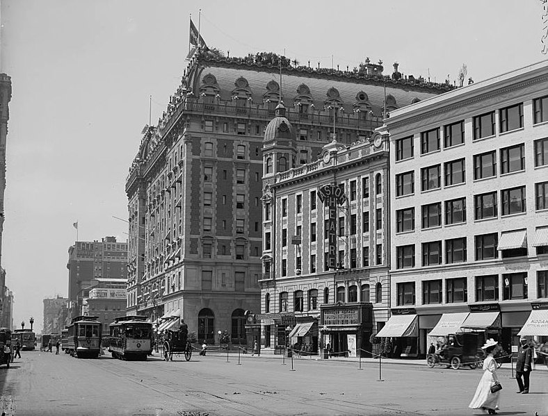 File:Astor Hotel and Astor Theatre, Manhattan.jpg