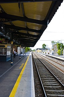 Athenry railway station in 2007.jpg