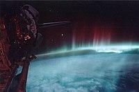 Dünya yörüngesinden gözüken güney kutup ışıkları.