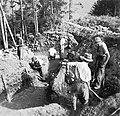 Ausgrabungen in Schellenberg 1947.jpg