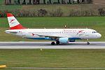 Austrian Airlines, OE-LBK, Airbus A320-214 (23021331606).jpg