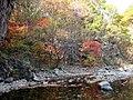 Autumn colors at Guanmen Mountain (1784222985).jpg
