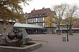 Ballhofplatz mit Ballhof Eins im Hintergrund