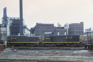 EMD SW7 - Image: Baltimore and Ohio 9624 (TR4) Cow and Calf at Riverside Yard, Baltimore (22341847029)