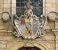 Bamberg St Jakob Fassade Wappen Adam Friedrich von Seinsheim.jpg
