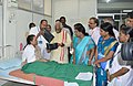Bandaru Dattatreya enquiring the doctor about the treatment being imparted to a patient, at ESIC Hospital, in K.K. Nagar, Chennai on September 21, 2015.jpg