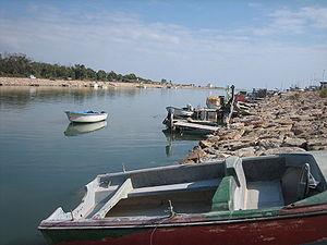 Leyendas 300px-Barcos_de_pescadores_en_la_desembocadura_del_río_Segura,_en_Guardamar