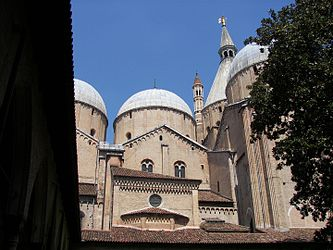 Basilica of Saint Anthony of Padua 3.jpg