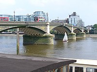 Battersea Bridge - geograph.org.uk - 493706.jpg