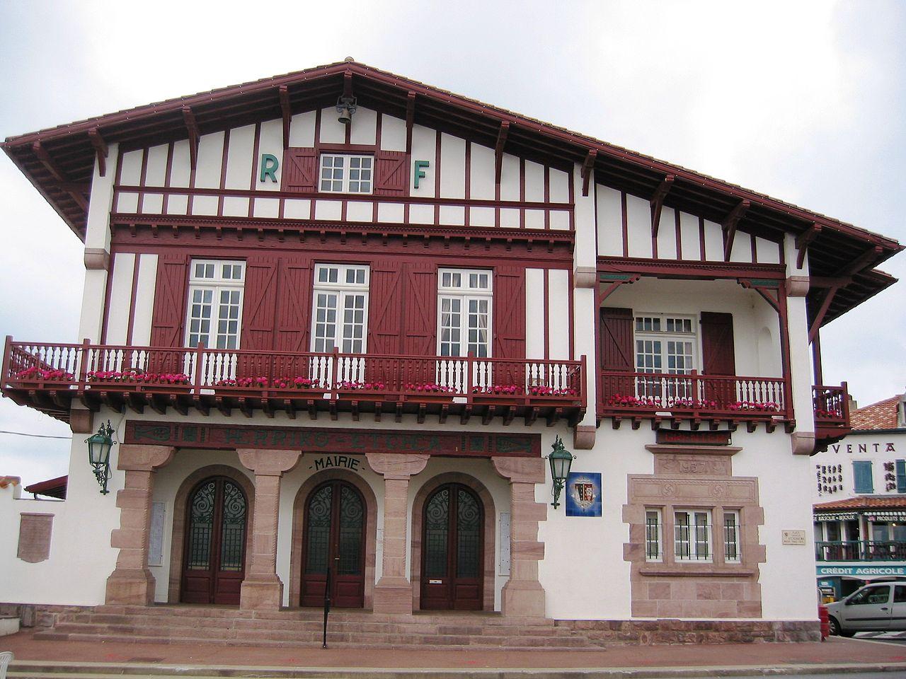 File bidart h tel de wikimedia commons for Architecture ancienne
