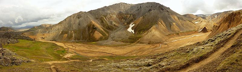 File:Bláhnúkur from Brennisteinsalda panoramic 2.jpg