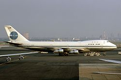 Boeing 747-121, Pan Am JP5891243.jpg