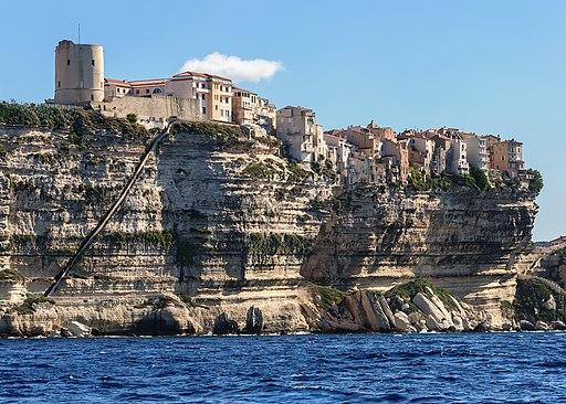 Bonifacio falaises escalier roi Aragon