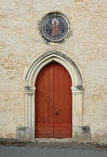 Bouteilles-Saint-Sébastien 24 Église portail 2014.JPG