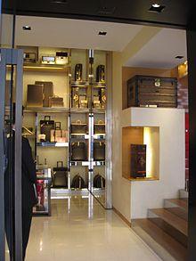 0065353dd67 Gaston-Louis Vuitton et Claude-Louis Vuitton modifier