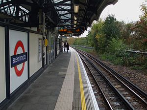 Brent Cross tube station - Image: Brent Cross stn look north