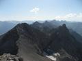 Bretterspitze und Gliegerkarspitze von der Urbeleskarspitze aus.png