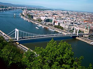 Bridge over the Danube at Budapest -c.jpg