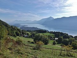 Brison-Saint-Innocent et lac du Bourget.JPG