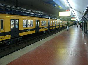 Diagonal Norte (Buenos Aires Underground) - Image: Buenos Aires Subte Diagonal Norte 2