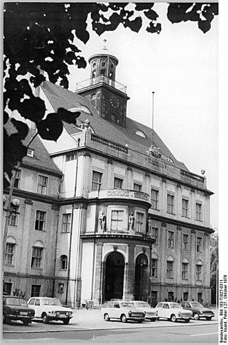 Plänterwald - Image: Bundesarchiv Bild 183 T1027 0311, Berlin, Rathaus Treptow