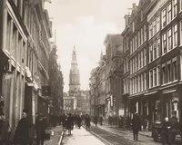 File:Buurtwinkels- De Jodenbreestraat voor de oorlog.webm