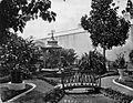 COLLECTIE TROPENMUSEUM Tuin in de kraton van Mankoe Negoro V van Solo. TMnr 60005510.jpg
