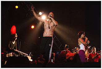 Calle 13 (band) - Calle 13 performing in Venezuela