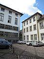 Campus Altstadt Heidelberg Marsiliusplatz, rechts der Mitte Durchgang zu Augustinergasse und Universitätsplatz.jpg