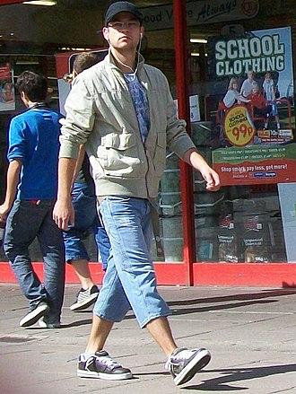 Capri pants - Male in cropped jeans (man-pris) (Stevenage, 2009)