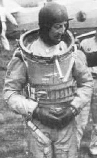 Pressure suit - Italian aviator Mario Pezzi in his high-altitude pressure suit, circa 1937