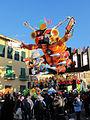 Carnevale di viareggio 2014, Non entrare in quel portale di Fabrizio Galli 02.JPG