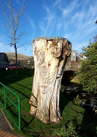 Dollar, Clackmannanshire - A carved trunk near the burn
