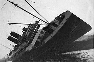 SS Catala - Catala aground on Sparrowhawk Reef, off the coast of British Columbia some time between November 8 and December 5, 1927.