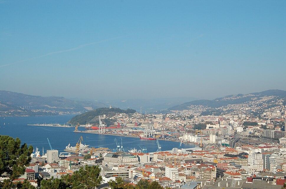 Centro e porto de Vigo