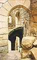 Château de Commarque en 1985, detail de l' intérieur.jpg