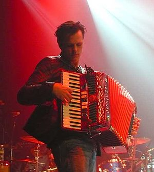 Counting Crows - Charlie Gillingham, keyboardist for the band, on accordion
