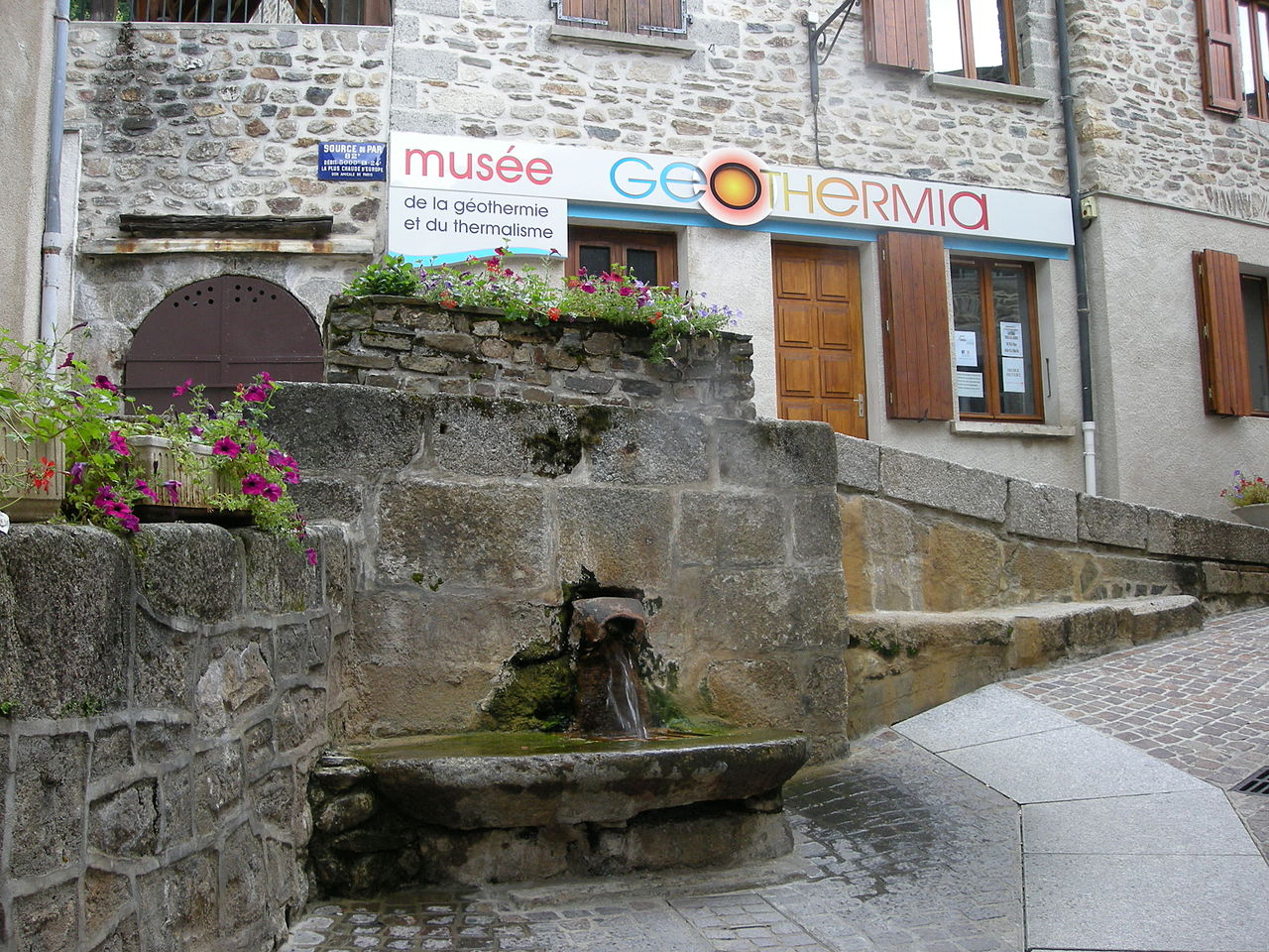 Source of the Par and museum
