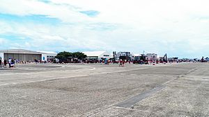 Chiayi AFB Apron in Open Day 20120811.jpg