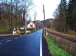Chrastava-Andělská Hora, trať, silnice a čp. 105 (01).jpg