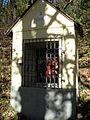 Christus ad nimmt das Kreuz Kalvarienberg Kapelle 2.Station Oberzeiring 20111031 (3v15).JPG
