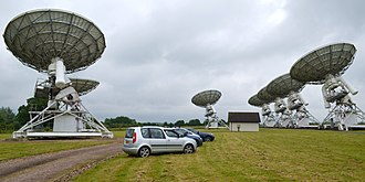 Mullard Radio Astronomy Observatory - Image: Cmglee Cambridge MRAO AMI Large Array