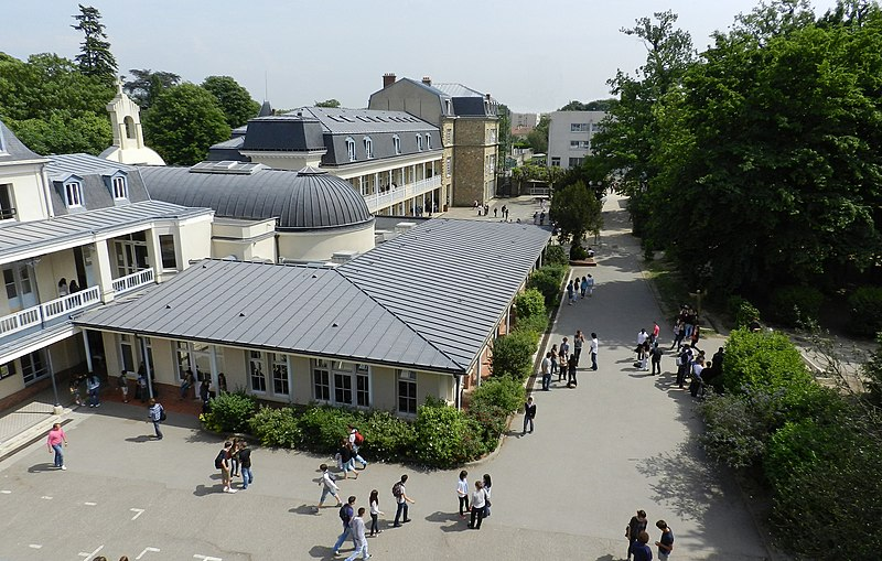 Fichier:Collège et Lycée Privé Notre Dame de Sion.jpg