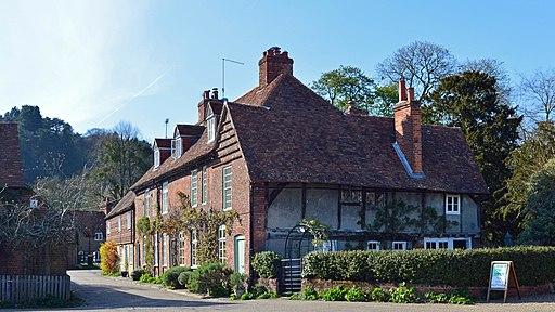 Cottages, Hambleden, Buckinghamshire-geograph-4852291-by-Oswald-Bertram