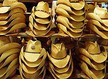 Sombrero vaquero - La información completa y la venta en línea con ... 8c0ed836388