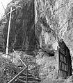 Crkva Kadjenica, proleće 04.jpg
